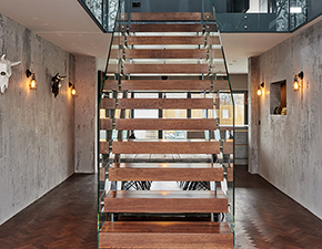 Straight Glass Staircase