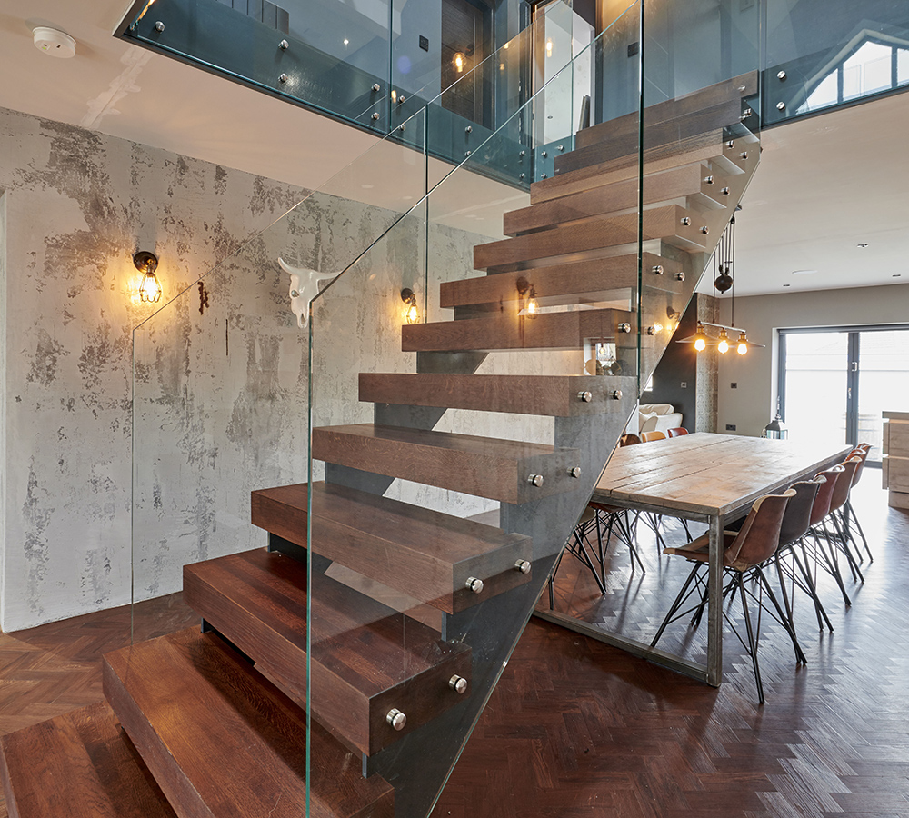 Metal Staircase Splayed